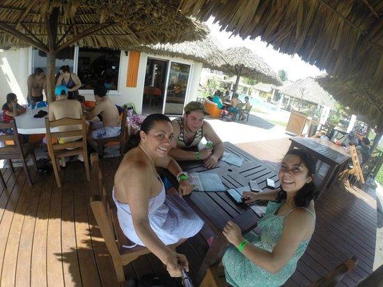 Hotel Hawaian Paradise: Esperando un buen desayuno