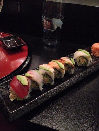 Hanabi Sushi House: Rainbow roll