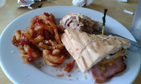 Piu Bello: Cubanos sandwich.