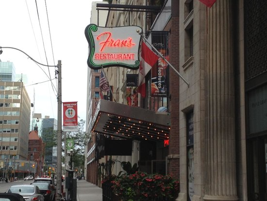 Fran's Restaurant & Bar: Outside entrance