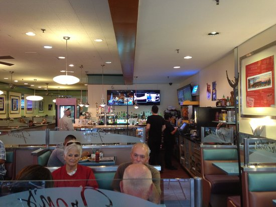 Fran's Restaurant & Bar: Dining room