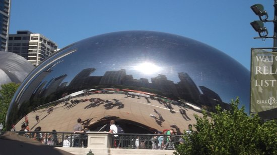 Embassy Suites by Hilton Chicago Downtown Magnificent Mile: The Bean