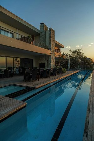 Canelands Beach Club and Spa: Terrace and pool