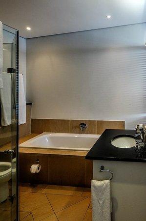 Canelands Beach Club and Spa : Bathroom