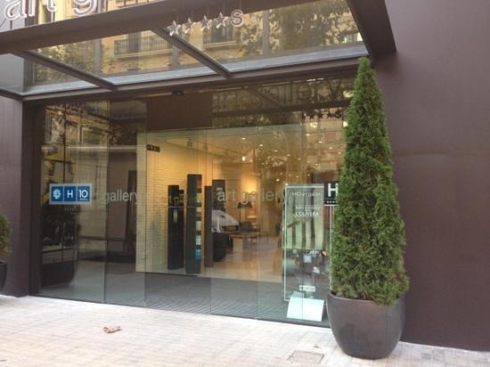 H10 Art Gallery : Entrée hôtel