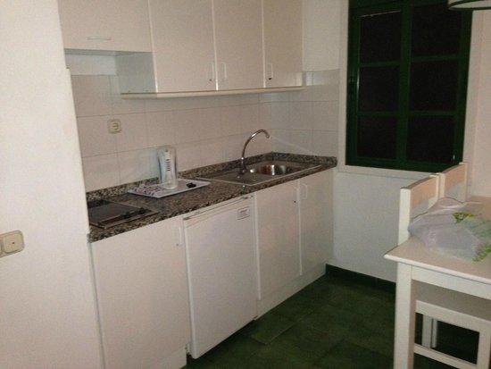 Lanzarote Palm: Kitchen area