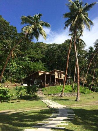 The Remote Resort - Fiji Islands : Main dining area