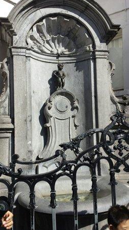 Novotel Brussels City Centre: Manneken pis