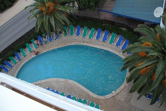Hotel Apartamentos Mirachoro II: Vista Para a Piscina