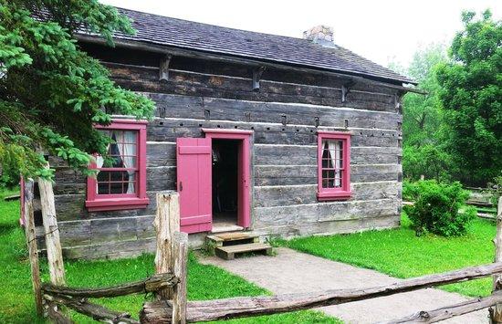 Pickering Museum Village: Log cabin