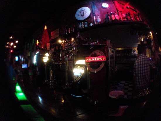 Kelly's Irish Bar