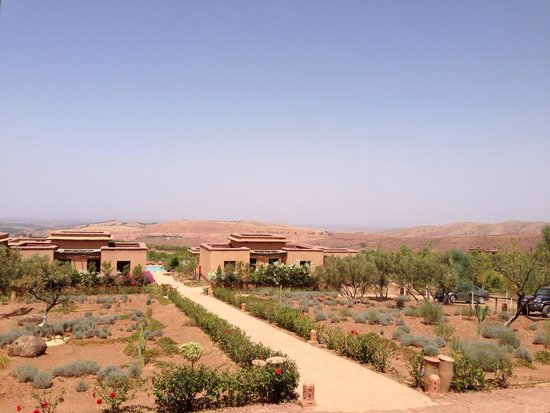 Terres d'Amanar: View from the main building to the lodges