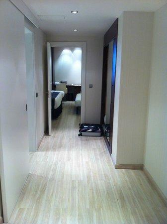 Diagonal Plaza Hotel : hall chambre