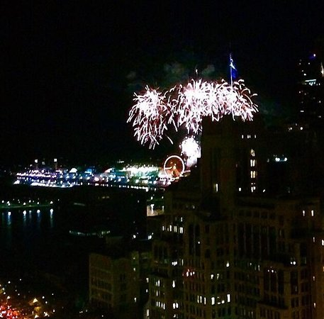 The Ritz-Carlton, Chicago: Our room's view of the fireworks over Navy Pier