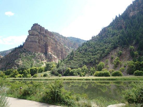 Glenwood Canyon Bike Trail: bike trail/rest stop view