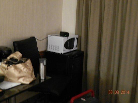 Comfort Inn Regina: Room 125 *Fridge and Mic near Patio Door