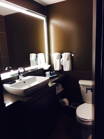 Novotel New York Times Square: Bathroom