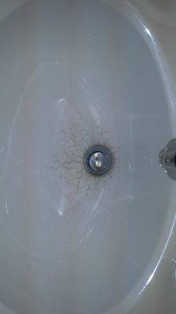Valhalla Inn: Well used sink.