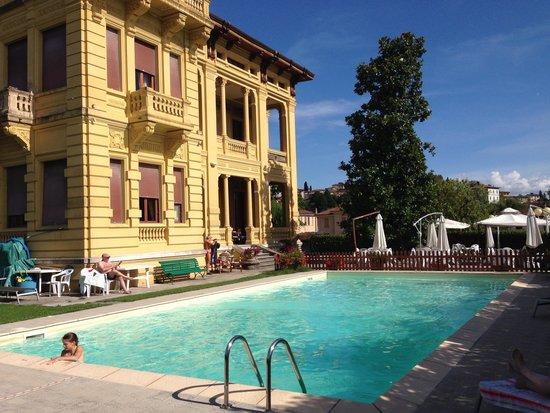 Villa Moorings Hotel: Zona piscina