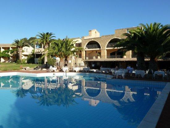 Hotel Costa dei Fiori: La piscina principale
