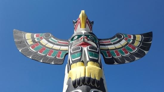 Duncan Totem Poles: Duncan: the city of Totems