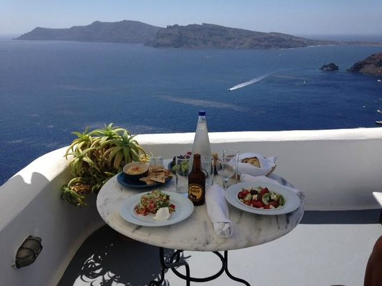 Ikies - Traditional Houses : Lunch on terrace