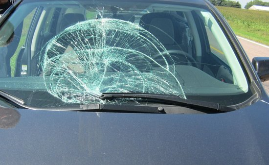 Hilton Garden Inn Sioux Falls South: Tire into windshield