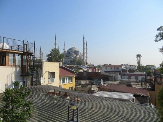 Aren Suites : View of the Blue Mosque from the terrace
