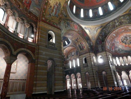 Cathedral Basilica of Saint Louis: interior, St. Louis Basilica