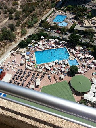 Sandos Benidorm Suites: View from 16th floor balcony