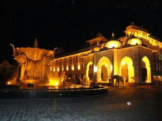 Radisson Blu Udaipur Palace Resort & Spa : royal welcome