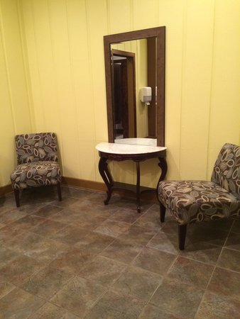 Schaefer's Canal House : Schaefer's Ladies Lounge