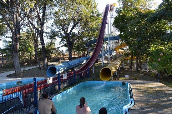 Barra do Garças, MT: Slides (yellow slide is dark inside)