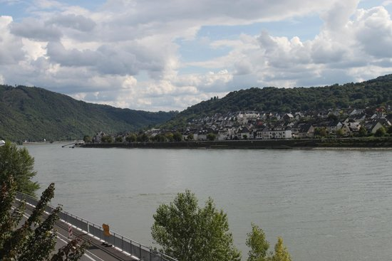 Hotel Rheinpracht: view from the room balcony