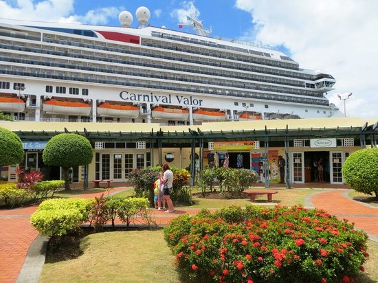 Duty Free Pointe Seraphine: Cruise ship at Point Seraphine.