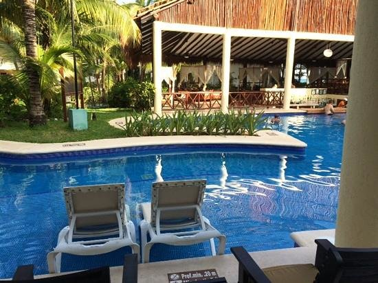 El Dorado Sensimar Riviera Maya: our room right oposite swim up bar