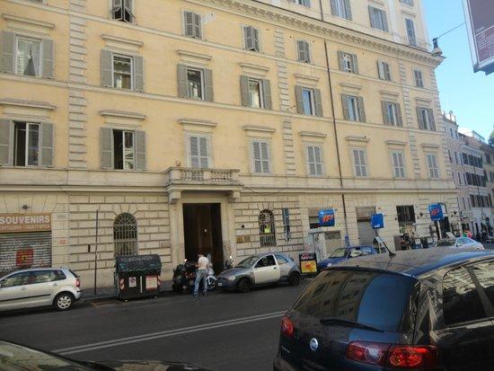 Caesar House Residenze Romane : vue extérieure de l'hôtel