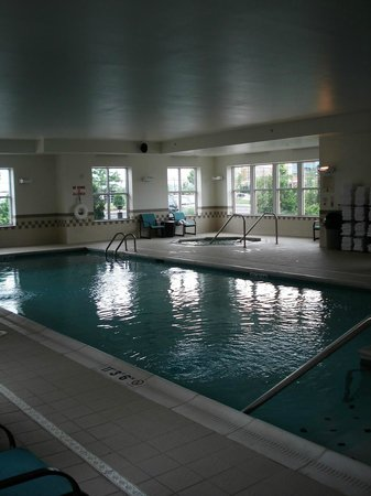 Residence Inn Cincinnati North/West Chester: piscine