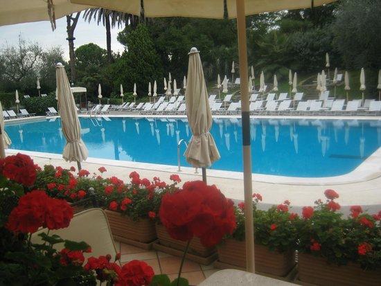 Rome Cavalieri, Waldorf Astoria Hotels & Resorts : Breakfast on the Terrace Waldorf Rome
