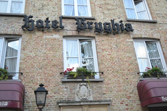 Bryghia Hotel: Front View - detail