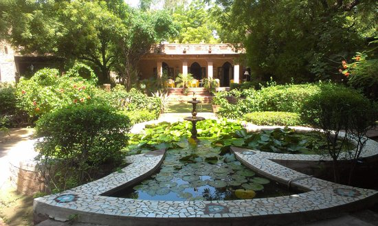Devi Bhawan: View of the central garden