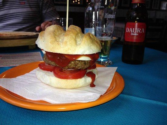 Pizzeria Trattoria Aviano Inn: Hamburger gluten free favoloso.