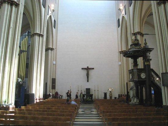 Holy Savior Cathedral (Sint-Salvatorskathedraal) : Impressive perspective