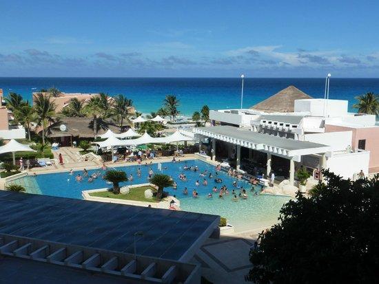 Omni Cancun Resort & Villas: pool