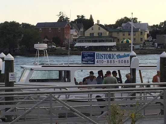Chesapeake City, MD: Miss Clare Cruise at dock beside Schaefer's Canal House