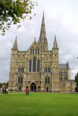 Salisbury Cathedral and Magna Carta: The cathedral from the west. (Photo by European Focus Private Tours)