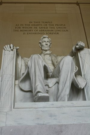 Walk of the Town: Lincoln Monument