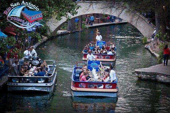 Foto De Rio San Antonio Cruises San Antonio Dining