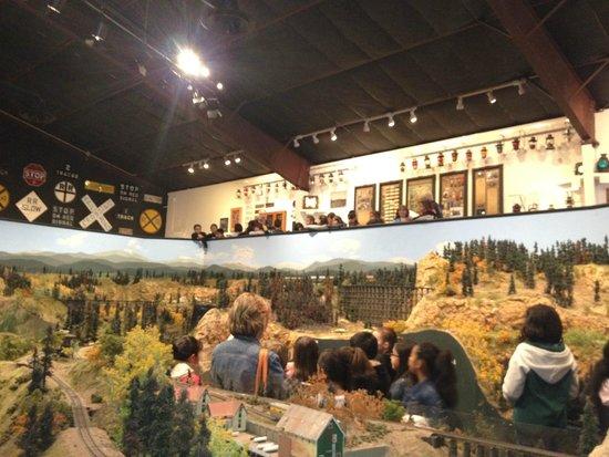 Colorado Model Railroad Museum: Kids visiting