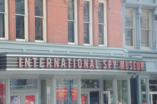 International Spy Museum: Nondescript but well-labeled Entrance